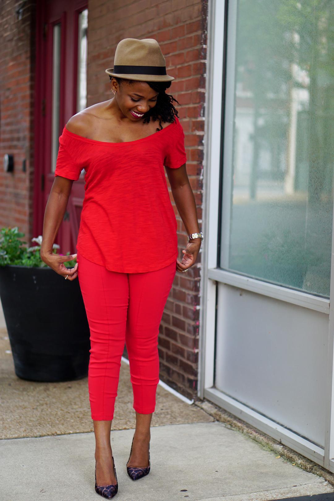 How to wear Pantone Aurora Red Fall 2016 4c