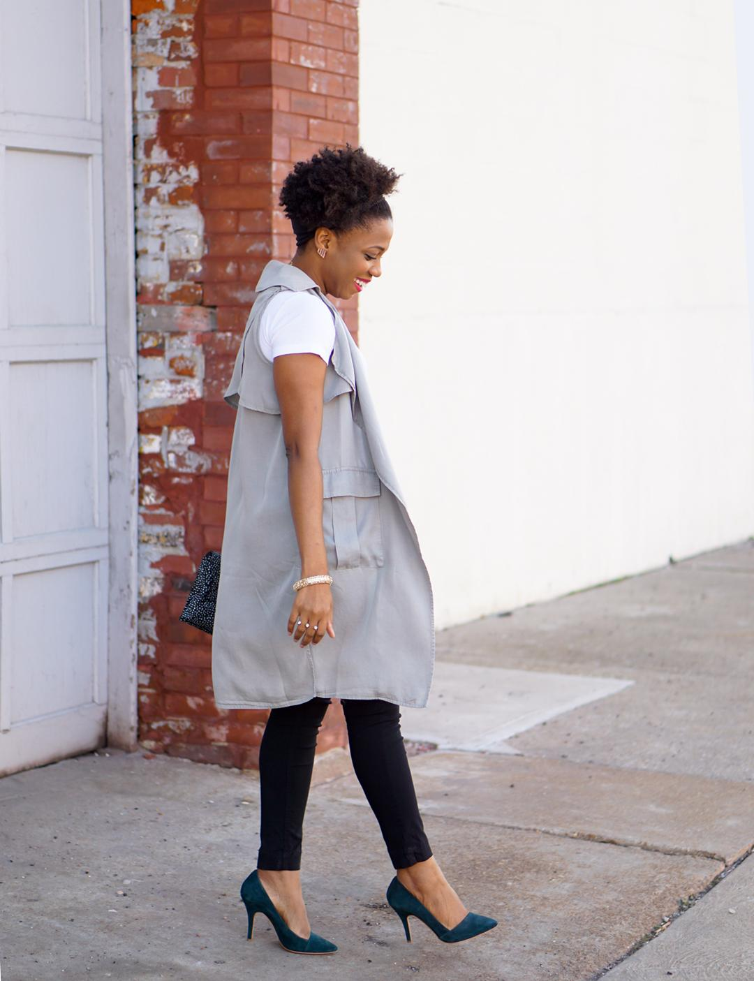 How to wear a sleeveless trench, Layer Light