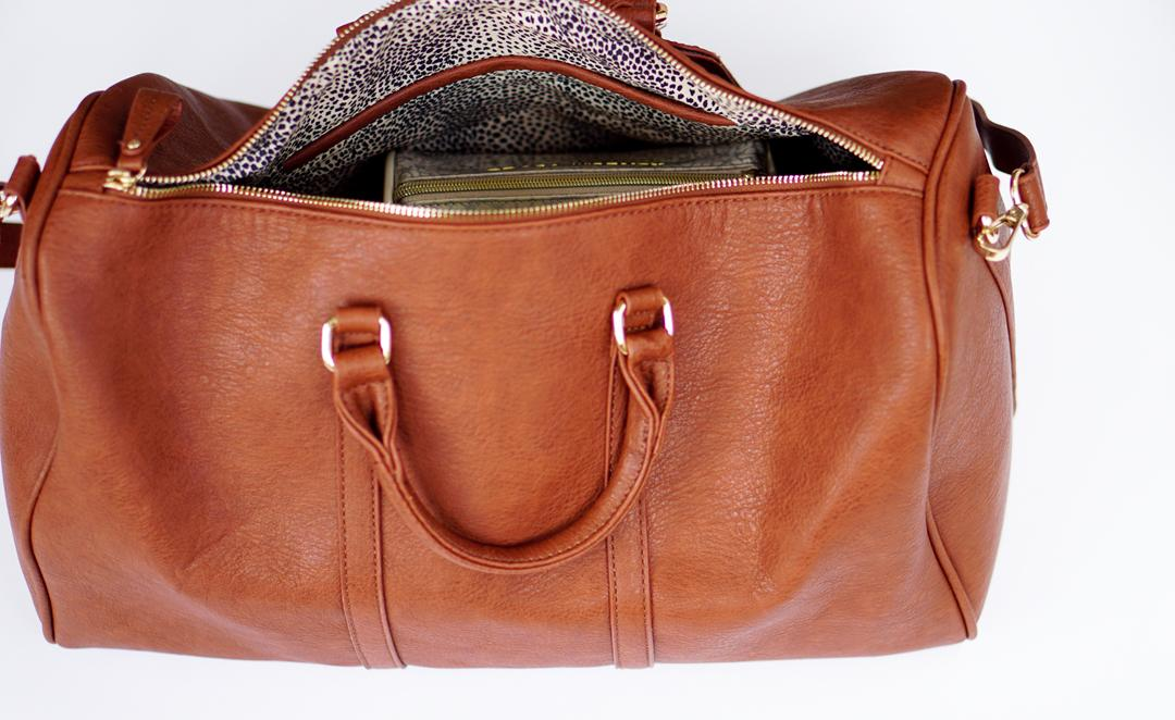 pack-jewelry-in-carryon-bag-c