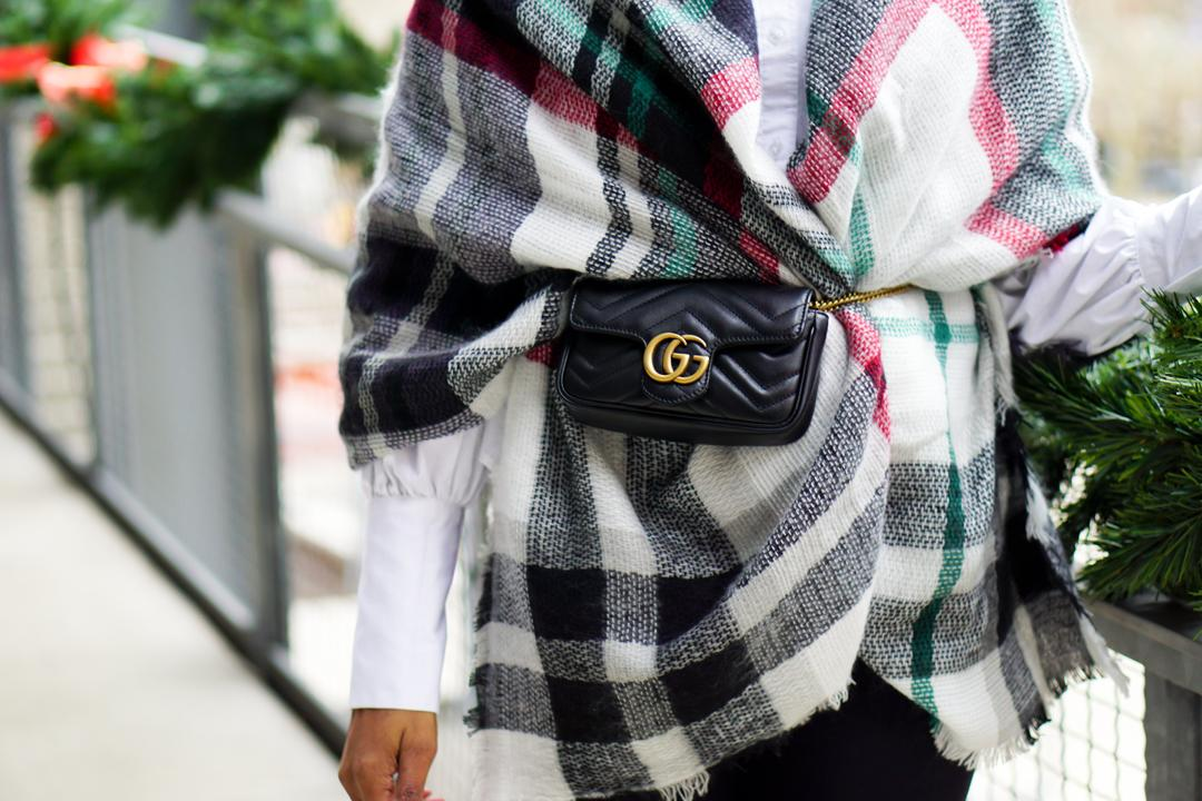 5c29f362671 How to Rock the High-Fashion Fanny Pack